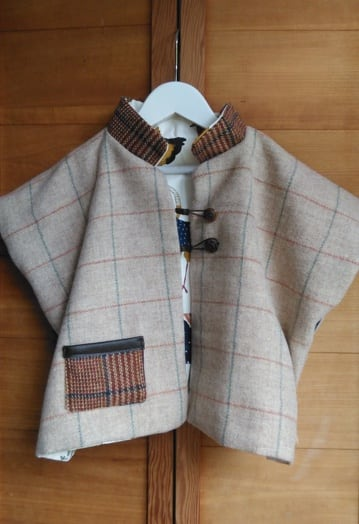 Oatmeal & Cinnamon Tweed Gilet Cape Rooster Lining (4-7yrs)