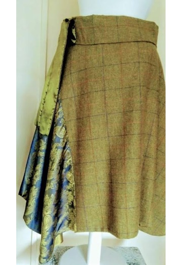 ¾ Length Country Green Tweed Skirt with Paisley Insert