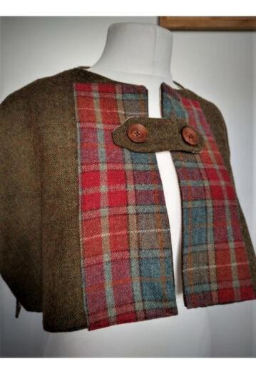 Olive/Russet Tweed Shoulder Capelet with Horse Print Lining