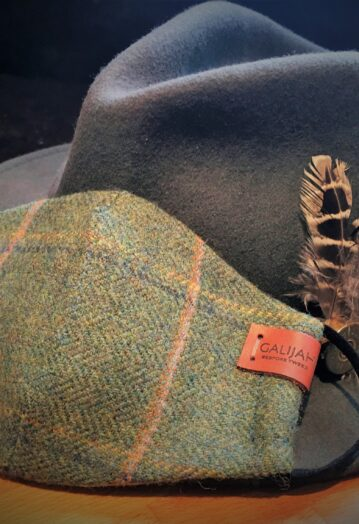 Childs Green Tweed Face Covering with Pheasant Lining